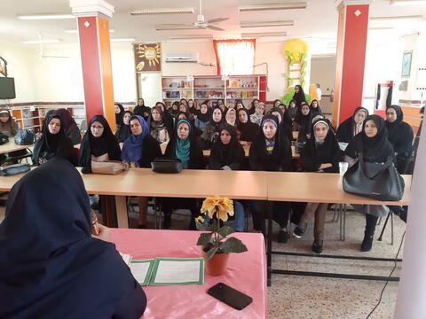 کارگاه قصه گویی برای مدیران مهد کودک دهلران برگزار شد