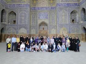 آخرین بازدید همیاران میراث از میدان امام خمینی «ره »،کاخ هشت بهشت و چهل ستون اصفهان