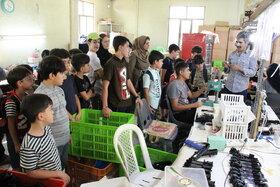 اردوی بازدید اعضای مرکز ۳۷ از کارخانه اسباب بازی