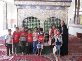 اعضای مرکز سیار روستایی اسفراین  به زیارت امامزاده حسین (ع) در روستای فریمان رفتند