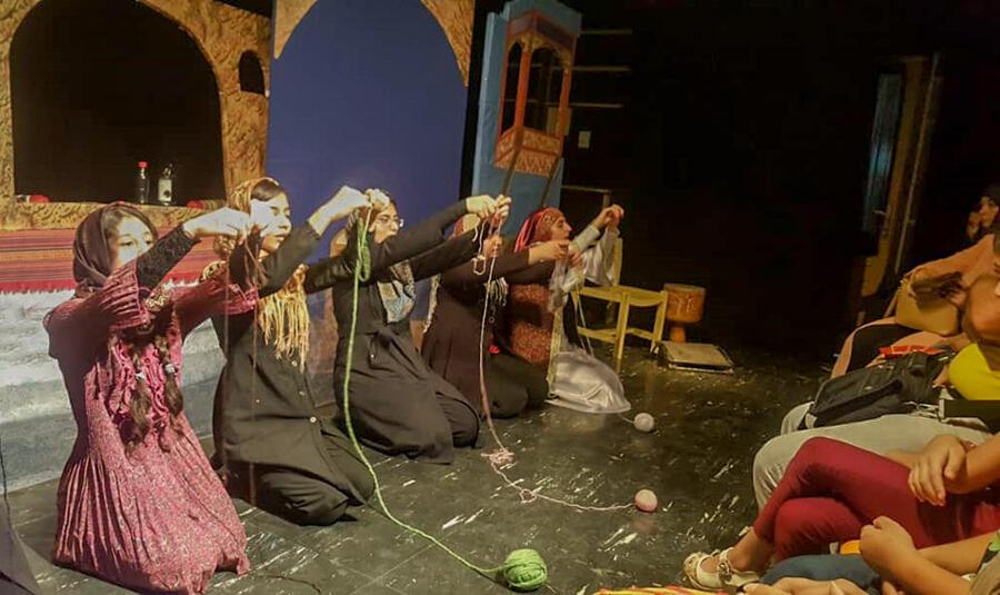 """دار و دایره در اولین فستیوال عروسکی """"آمادای"""" همدان  به روی صحنه رفت"""