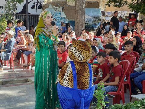 اجرای قصه گویی اعضای کانون در ویژه برنامه جشنواره تولیدات رسانه ای مراکز استان ها در اسفراین