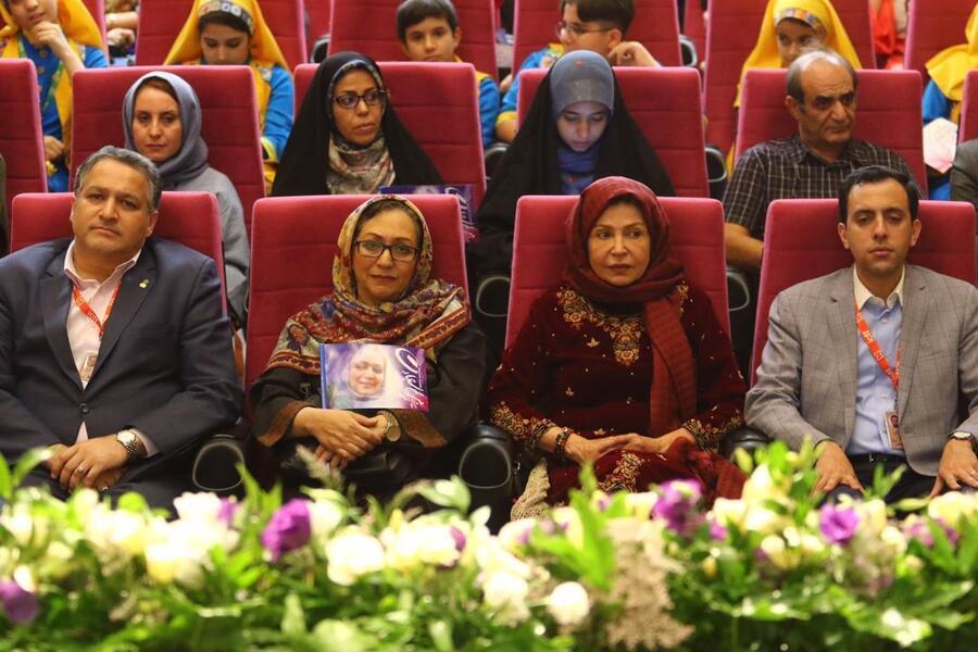 سعادت و جواهریان در جشنواره فیلم کودک و نوجوان اصفهان تجلیل شدند