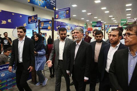بازدید وزیر فرهنگ و ارشاد اسلامی از روند برگزاری رقابتهای جام قهرمانان بازیهای ویدیویی ایران