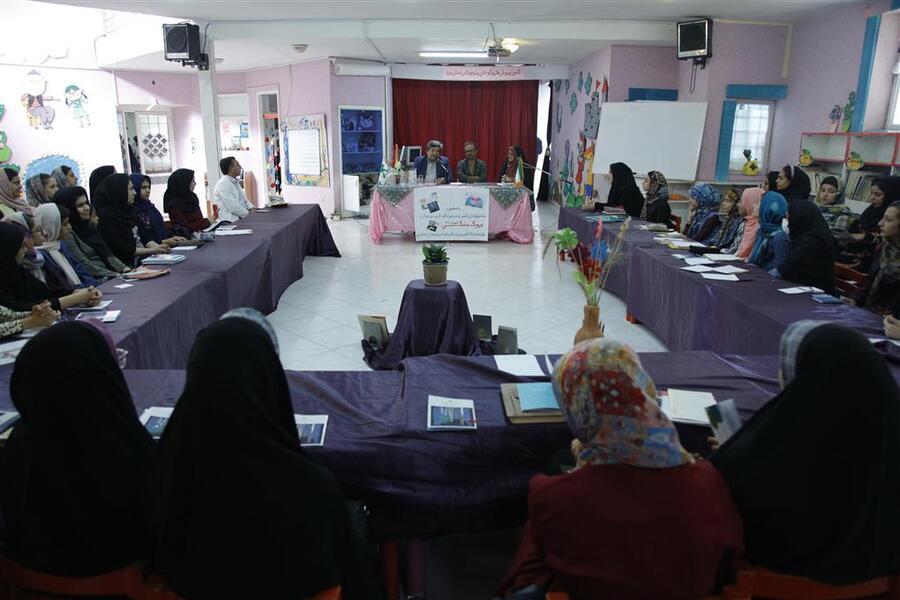 ویژهبرنامه ادبی دو پنجره در یزد، برگزارشد