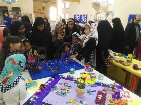 پدران و مادران شاهد هنرنمایی فرزندان در مرکز فرهنگیهنری مجتمع زاهدان