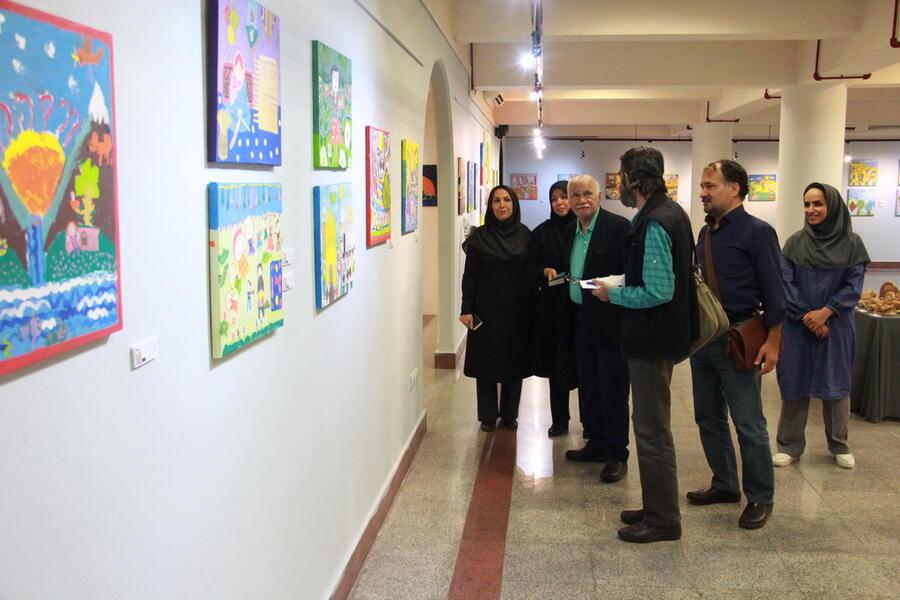 نشست«بررسی و تحلیل نمایشگاه هنرهای تجسمی» با حضور اساتید هنر کودک برگزار شد