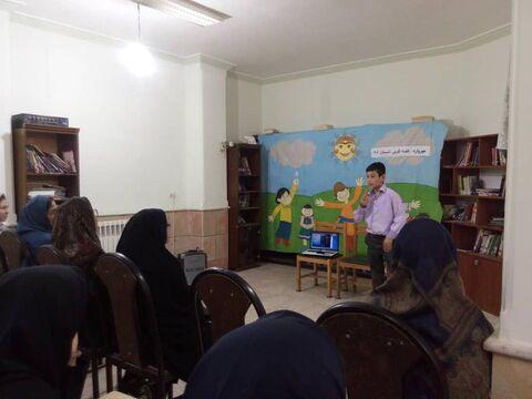 ویژه برنامهی قصه گویی در شهرستانهای سیل زده کانون گلستان