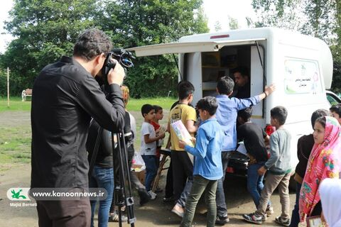 فعالیتهای کتابخانه سیار روستایی شیرگاه در قاب دوربین باشگاه خبر نگاران جوان