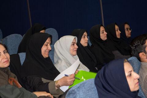 گزارش تصویری نشست آموزشی آموزش قصه گویی وزبان بدن
