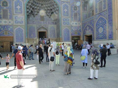 اجرای پرده خوانی عاشورایی در مکان های عمومی شهر اصفهان