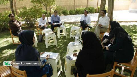 نشست توجیهی داوران جشنوارهی قصهگویی در یزد، برگزارشد