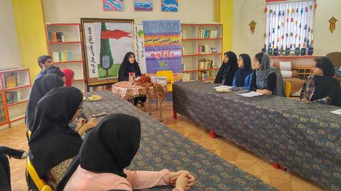 هفتمین جلسه انجمن ادبی با موضوع دفاع مقدس در سنندج برگزار شد