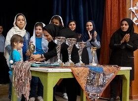 رقابت شطرنج بازان مراکز کانون تهران در مسابقه استانی شطرنج