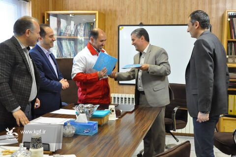 امضای تفاهمنامه همکاری بین کانون و جمعیت هلالاحمر استان اردبیل