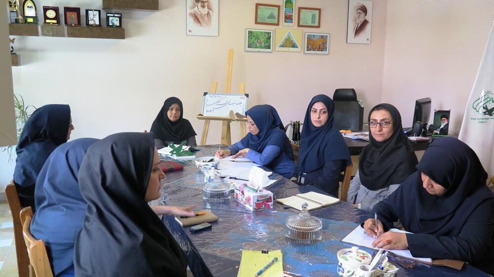 نشست برنامه ریزی هفته ملی کودک در کانون استان قزوین