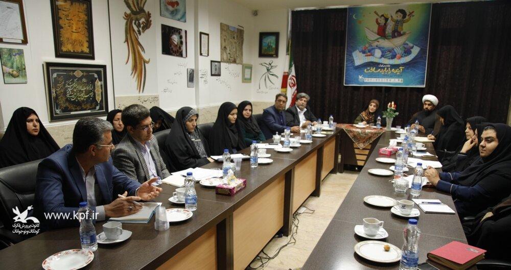 نشست هماندیشی هفتهی ملی کودک در یزد، برگزار شد