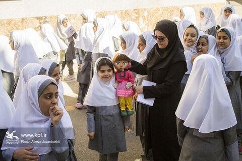 رژه خودروهای سیار همدان در اولین روز هفته کودک