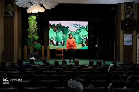 روز اول رقابت قصهگویی در کانون قزوین