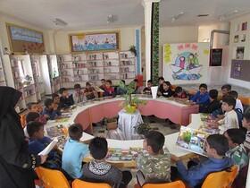 کودکان قروه ای در ایستگاه نقاشی با موضوع آرزوهای کودکی شرکت کردند