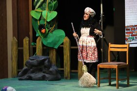 دومین روز برگزاری مرحله استانی بیست و دومین جشنواره بین المللی قصهگویی در کانون قزوین