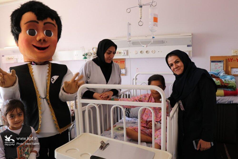 هفته ملی کودک و عیادت از کودکان بیمارستان آیت الله موسوی زنجان