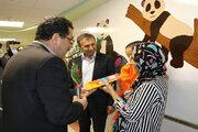 دیدار کانونیهای سمنان با کودکان بیمار در روز جهانی کودک