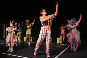 اجرا نمایش «کوکوی گردن دراز» در مرکز تئاتر کانون
