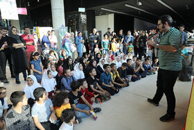 حاشیه دیدار و نشست اعضاء کانون با نویسندگان و تصویرگران کتاب کودک و نوجوان