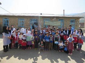حضور مربیان در روستای اطراف سروآباد