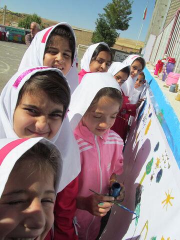 پیک امید ویژه کودکان حاشیه شهر دیواندره اجرا شد