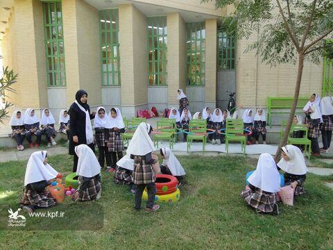 به مناسبت هفته ملی کودک نمایشگاه و مهرواره بازی ها در اصفهان برگزار شدند