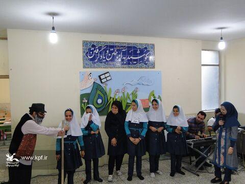 پیک امید شادی بخش کودکان مناطق محروم اصفهان در هفته ملی کودک بود