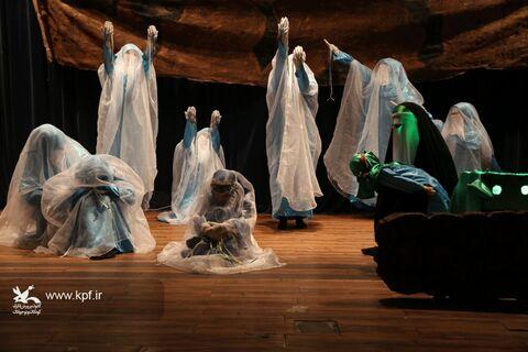 اجرای نمایش «دختر خورشید» در سالن سینما تﺌاتر کانون بوشهر