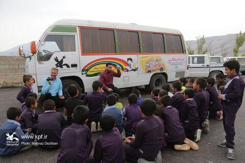 سفر کتابخانههای سیار کانون خوزستان در قالب امداد فرهنگی به روستای کلدوزخ ایذه