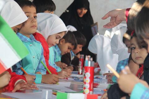 گزارش تصویری ایستگاه نقاشی کانون پرورش فکری کودکان و نوجوانان در مسیر راهپیمایی ۱۳ آبان ارومیه