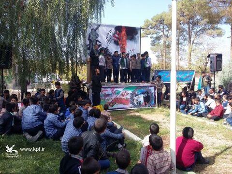 اجرای ویژه برنامه روز دانش آموز با حضور اعضاء کانون پرورش فکری در قهدریجان