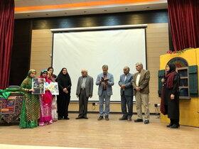 اجرای ویژه برنامه صد دانه یاقوت با حضور مصطفی رحماندوست در مرکز گناوه