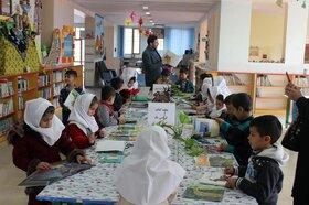 جشن کتاب با سال اولیها در مرکز یک کانون پارسآباد
