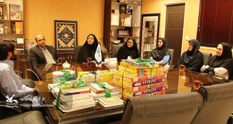 تجهیز کتابخانهی روستا و تجلیل از فعال کتابخوانی در شهرستان سرباز