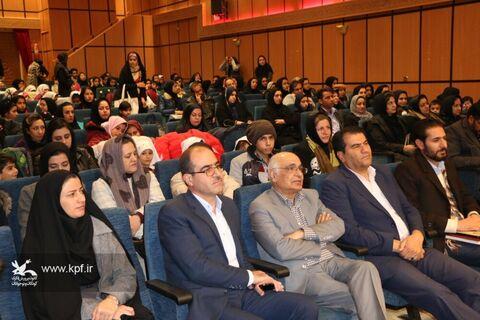 بهترین راه موفقیت کودکان ونوجوانان ایرانی خود باوری فرهنگی واتکا به خود است