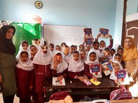 حال خوش خواندن با همراهی دانشآموزان دبستان دخترانه شهدا