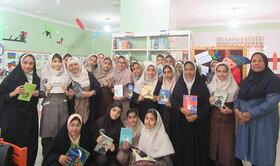 آشنایی دانشآموزان با ادبیات ایران وجهان