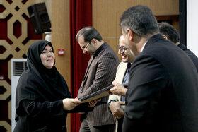 تجلیل از مدیرکل کانون استان کرمانشاه به مناسبت هفته بسیج
