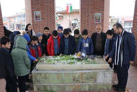 کانونیها به مقام شامخ میرزاکوچک ادای احترام کردند