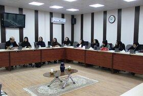 جلسهی تحلیلی قصههای مربیان در مرحلهی منطقهای بیستودومین جشنواره بینالمللی قصهگویی در زاهدان و زابل