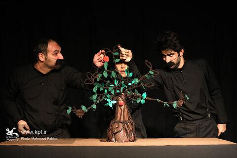 نمایش «درخشنگ» در مرکز تئاتر کانون