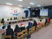 جلسه نقد و بررسی کتاب دختری با روبان سفید در کانون پرورش فکری اصفهان برگزار شد