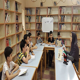 مربی گلستانی برگزیده طرح«شیوههای نوین و خلاق ترویج کتابخوانی»