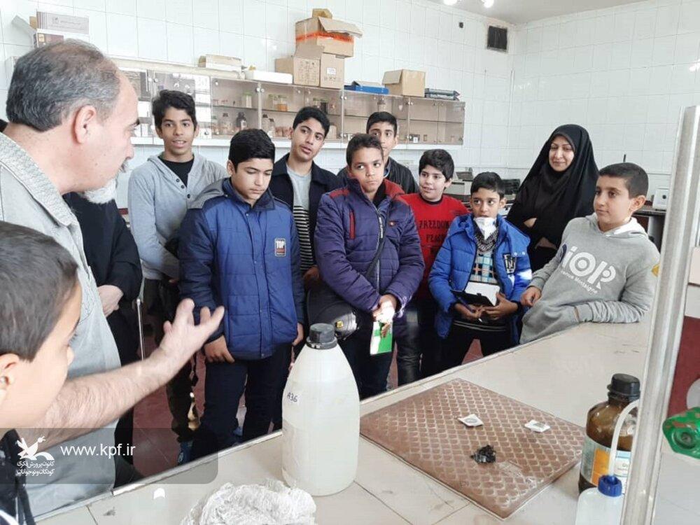 پژوهشگران نوجوان کانون پرورش فکری اصفهان از بسترهای پژوهش در دانشگاه پیام نور بهرمند می شوند